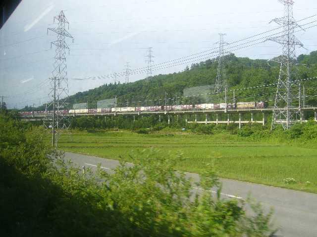 津軽海峡線を走る貨物列車