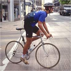自転車は車道を走れ!?