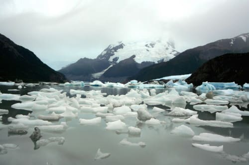 南米アルゼンチン・ウプサラ氷河ツアー、オネージ湖