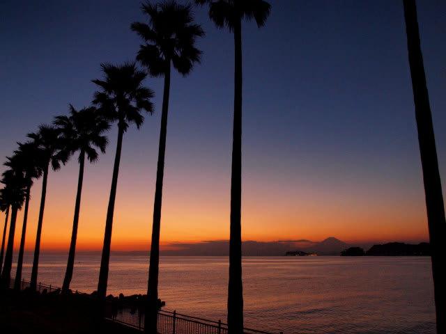 逗子マリーナのサンセットで江ノ島と富士山も