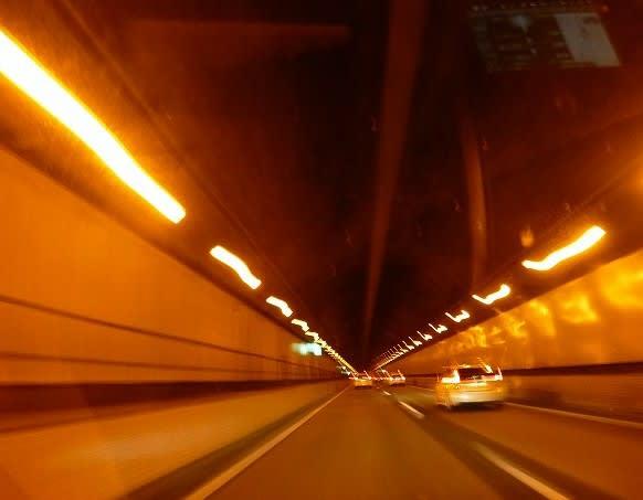 自動車道・・・笹子トンネル ...