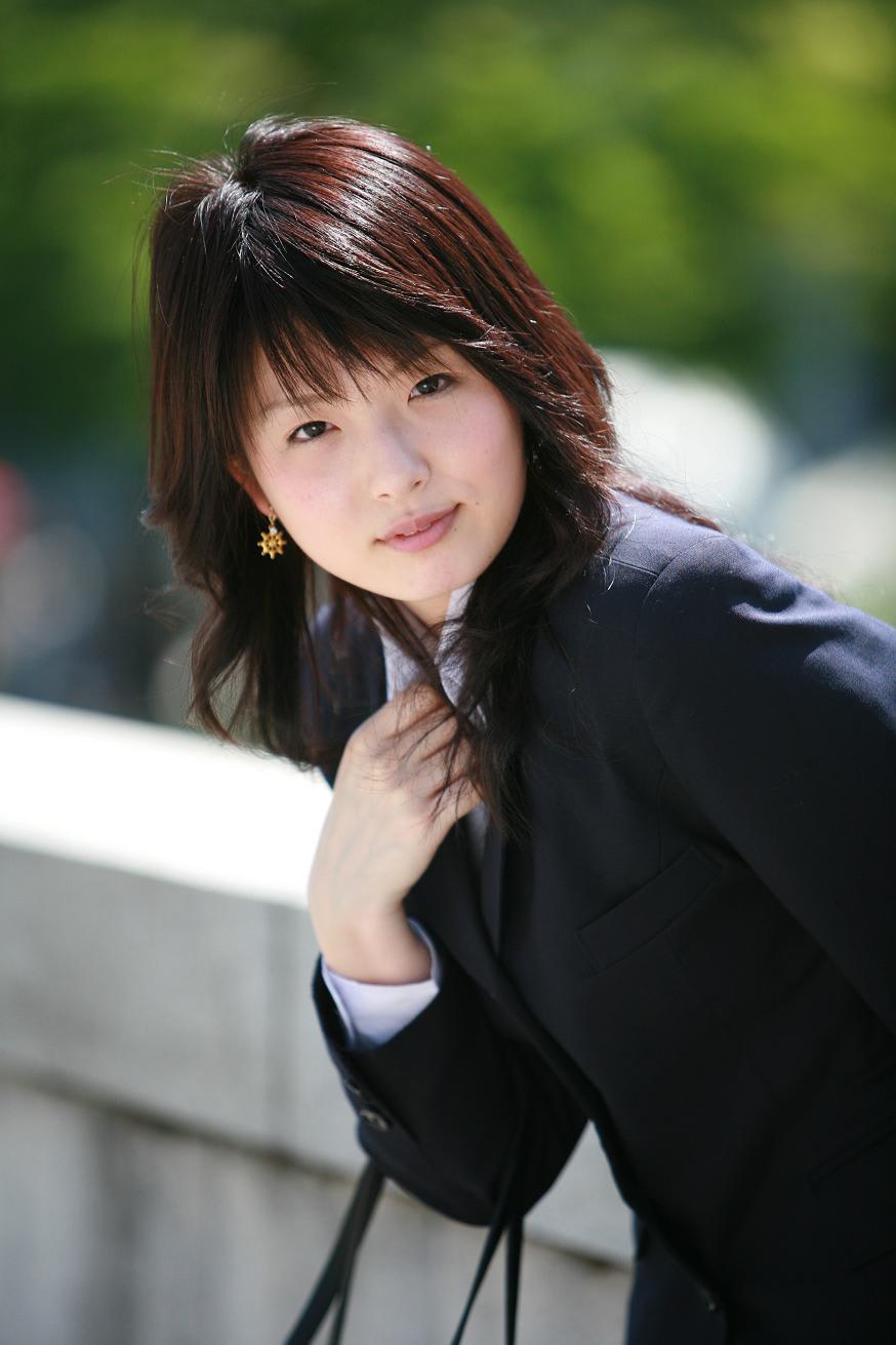 梅田地下で初めて会ったゆかさんは、元気、可愛い、表情豊かと三拍子そろっていました 梅田から中ノ島