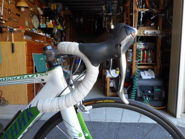 自転車の 自転車を送る : ... 送る、しゃくる、などと表現