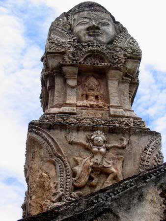 Wat Phua Si Ratanamahathat門 かなり好きな写真です