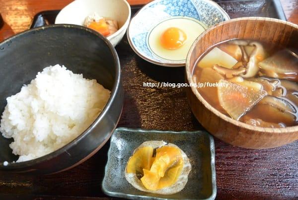 天地豊作で新潟地鶏の卵かけ御飯とけんちん汁/2015年旅始めはMaxときで2
