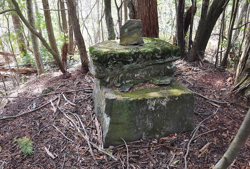 桃山古墳石積み
