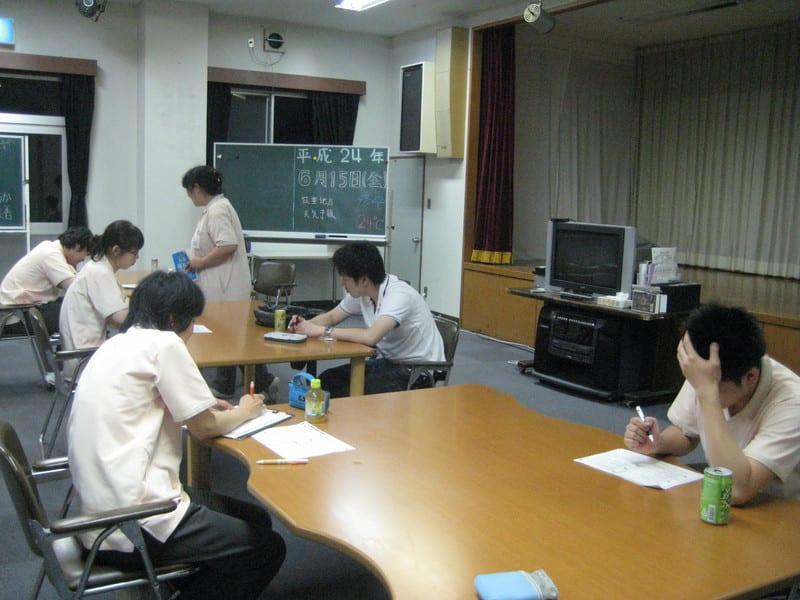 看護職員による勉強会・介護福祉士受験勉強