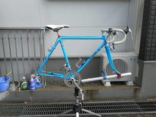 自転車の 自転車 洗い方 水 : 洗剤 も 洗い流 し 洗車 は 完了 ...