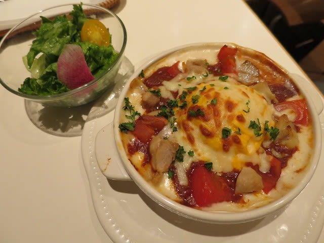 チキンとトマトのオーブン焼きオムドリア