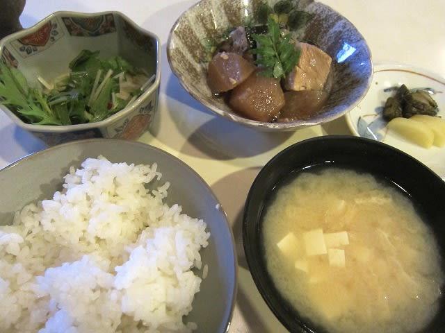煮魚定食(ぶり大根)
