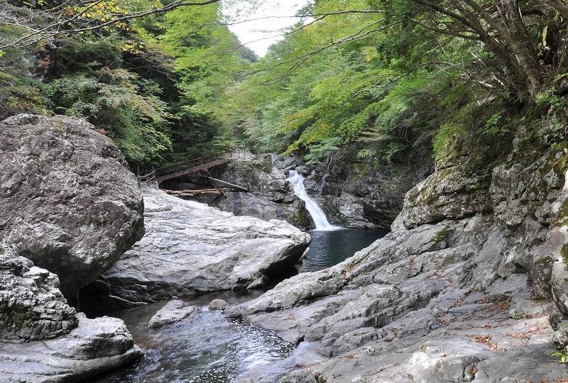 みたらい渓谷無名滝2