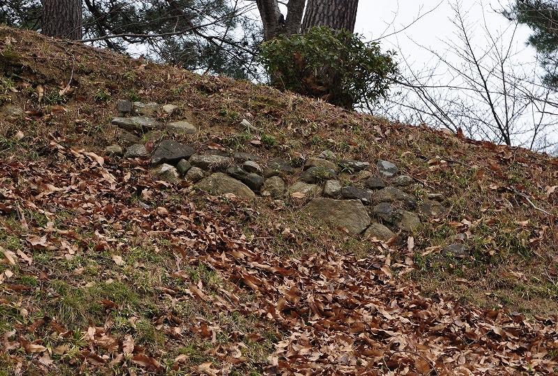 丸子山古墳葺き石