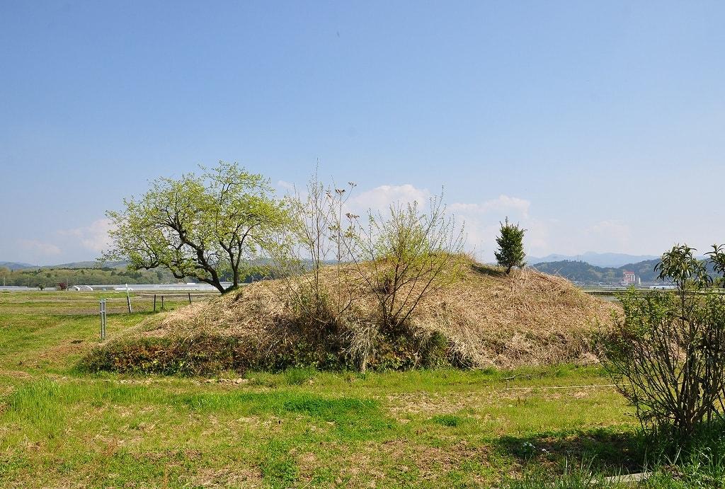 小塚古墳北西側