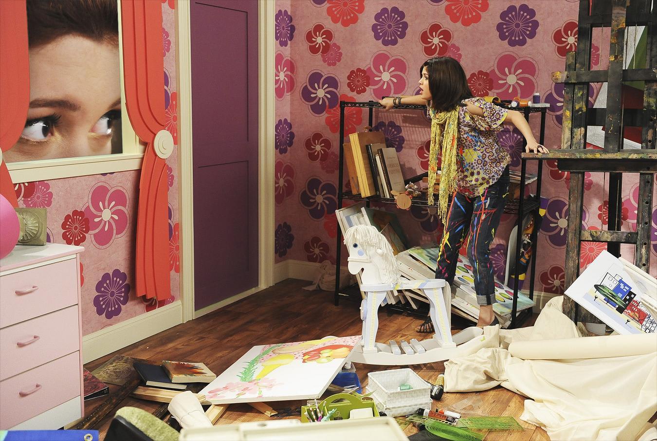 gomez bedroom in wizards - photo #13