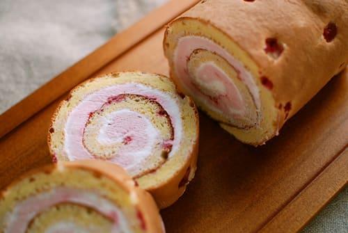 フランボワーズのロールケーキ