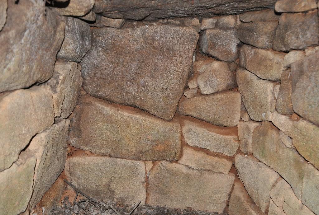 タコセ古墳奥壁