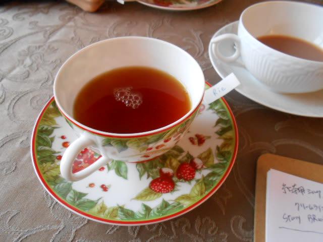 マサラチャイとスパイスカレー、雪の日の優雅な紅茶レッスン