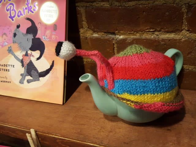 Alice's Tea Cupで出版記念ティーパーティ