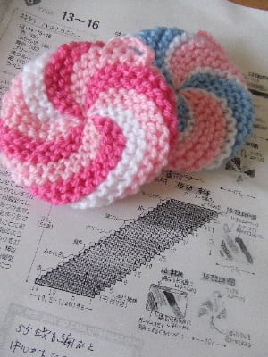 アクリルたわしの編み方・作り方! 均で材料が揃うエコたわし [家事] All About