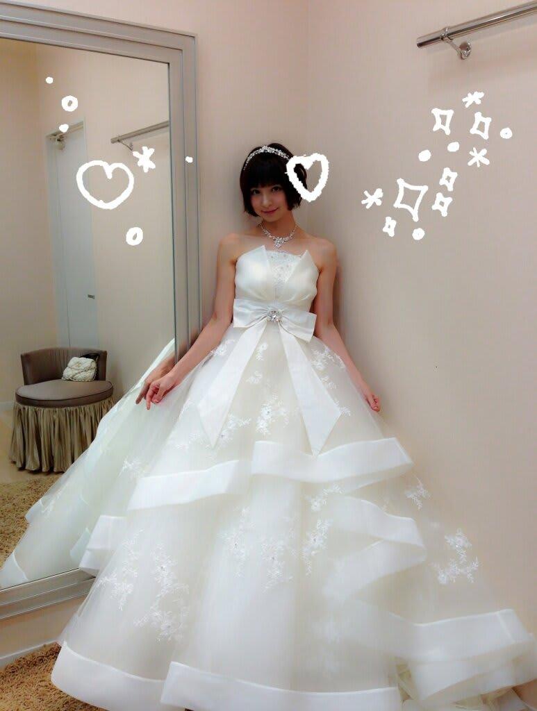 【AKB48】篠田麻里子がセクシー花嫁姿を披露!