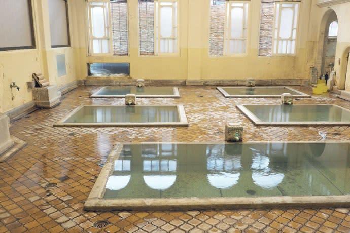 元禄の湯の湯船