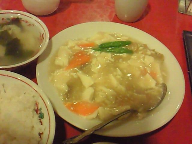 カニ肉入り豆腐煮込み