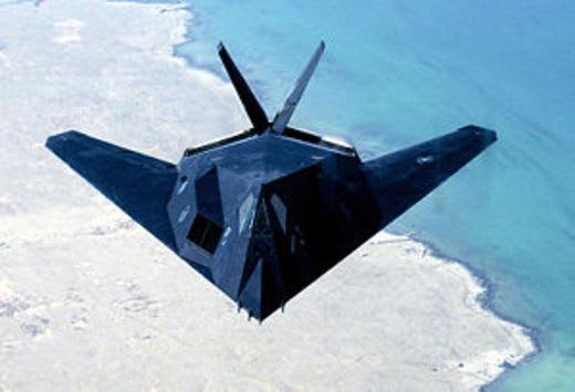 F 117 (航空機)の画像 p1_8