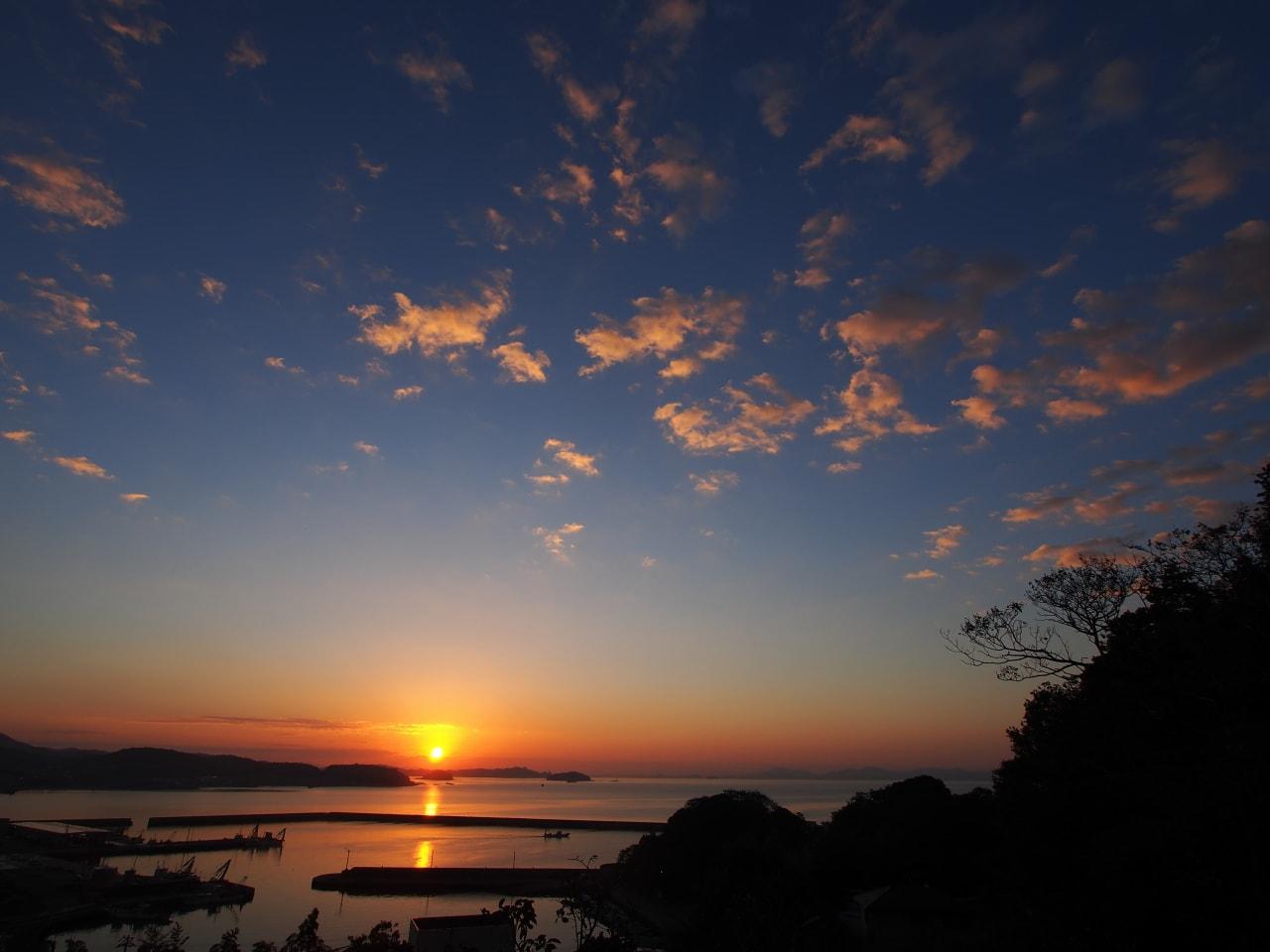 高台からの朝景の画像