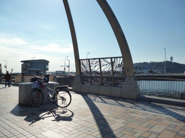 自転車の 自転車 車道 左折 信号 : 弁天橋」を越える。