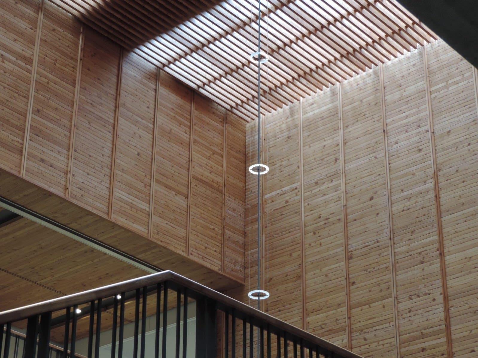 安曇野市新本庁舎 - 透明タペストリー