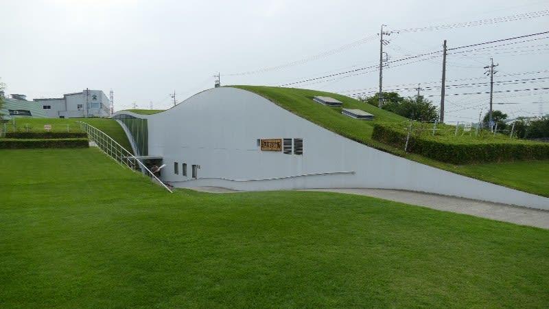 新美南吉記念館の建物