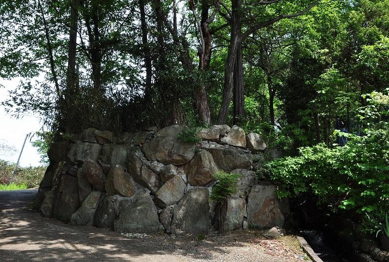 ヒナコノ塚