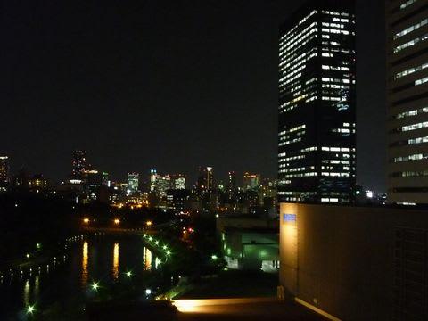 ホテルニューオータニから研修会場のクリスタルタワー