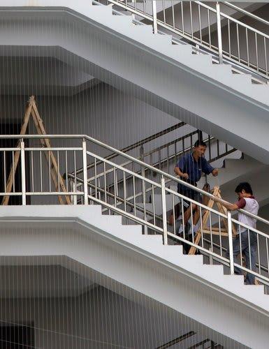 アップルの製品を作る台湾企業の中国工場は現代の蟹工船・女工哀史 健康被害・死亡事故・自殺者続出