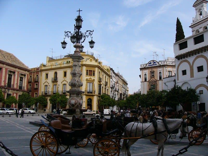 次の目的地、スペイン広場へ移動のため添乗員さんに誘導されてバス乗り場へ... ◆スペイン