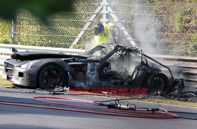 【スパイショット】「SLS AMGブラックシリーズ」がテスト走行中に大破... 【スパイショット