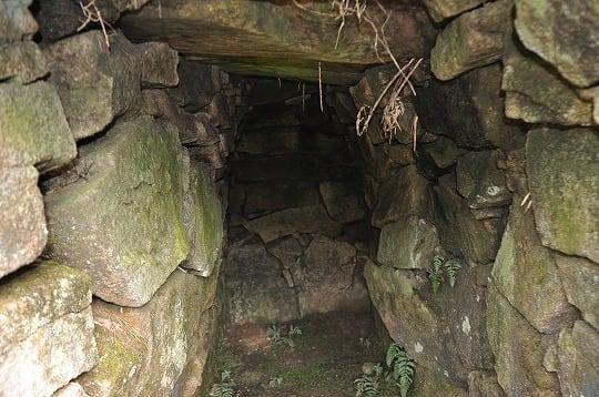 平岩古墳石室