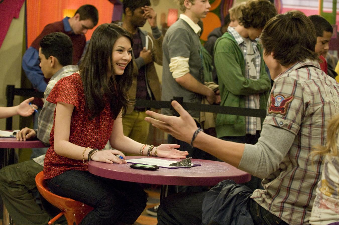 ispeed date Ispeed date & ienrage gibby: 2014: gone girl: andie fitzgerald (amante de nick) 2015: we are your friends: sophie: referências ligações externas.