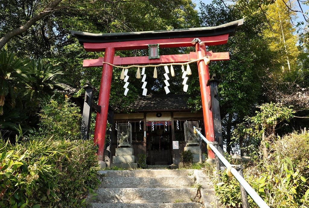 岡崎山稲荷神社