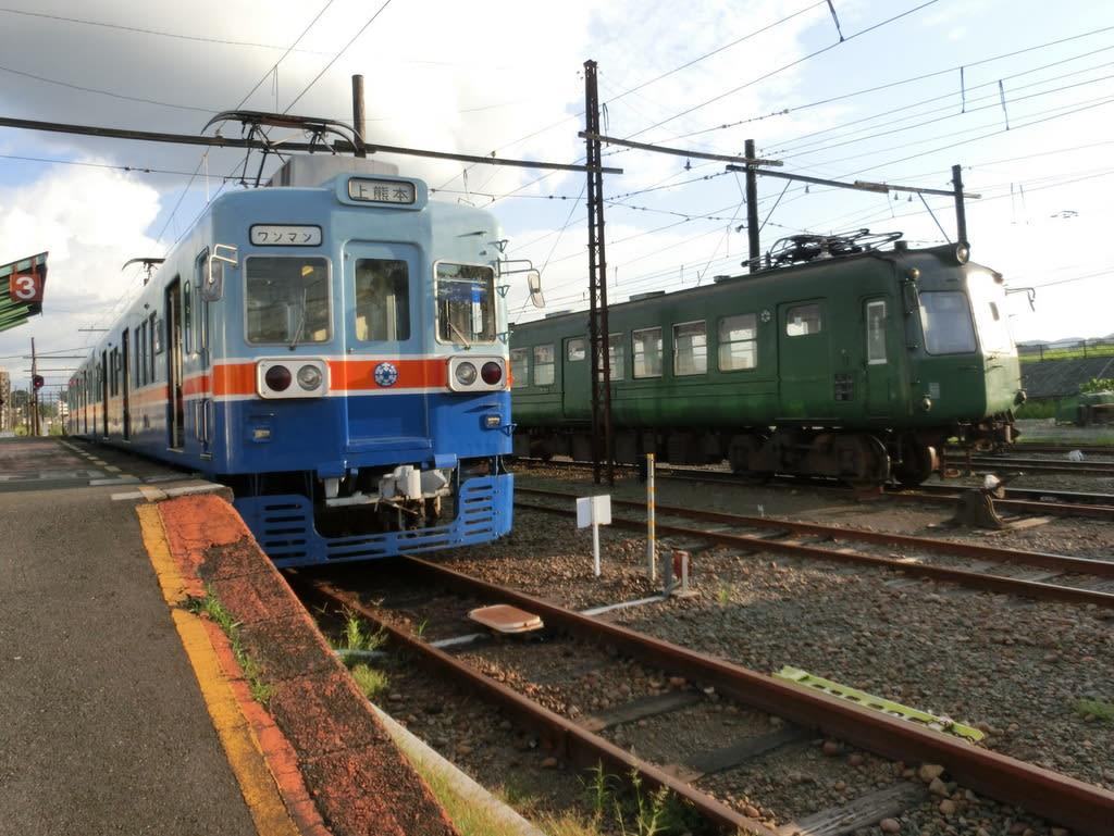 熊本電鉄5000系と200系