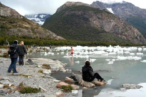南米アルゼンチン・ウプサラ氷河ツアーmオネージ湖