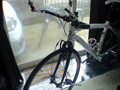 ... 届いたので、自転車弄り開始