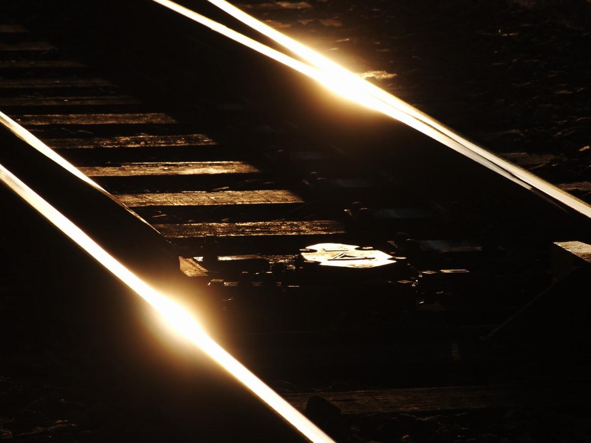 レールの輝きの画像