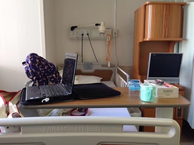 長女の病室。6人部屋。僕も胆のうポリープ摘出手術の時とA型肝炎の時、そ... 入院が好きなボク。