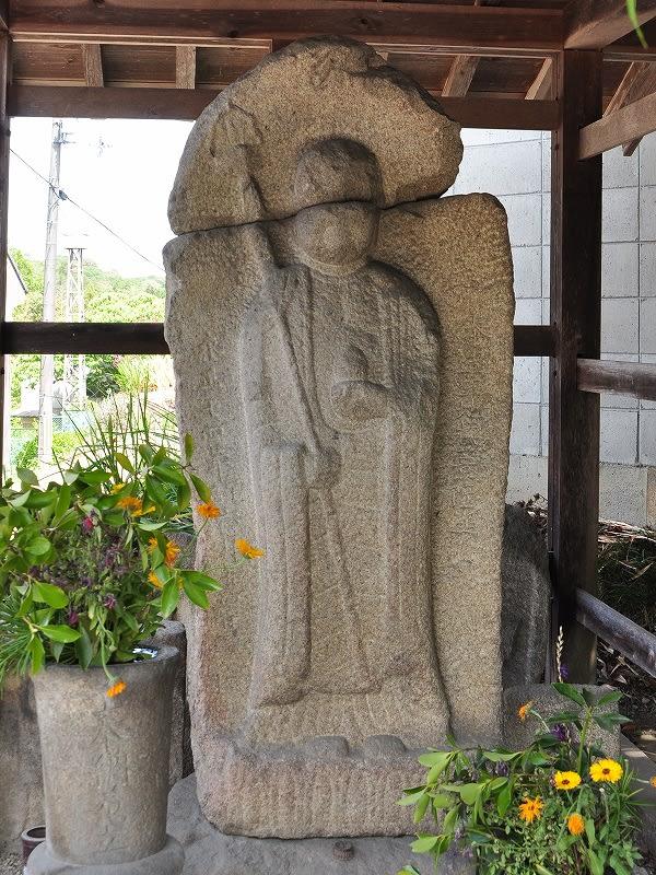 中ノ川辻堂の地蔵石仏