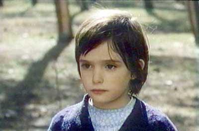 (ストーリー) 一人の少女を主人公に、彼女が体験する現実と空想の交錯し... 「ミツバチのささや
