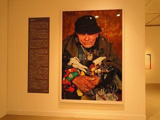 広島太郎さんは広島大学卒のエリートだったそうですが、路上生活37年、広島では知らない人はいないそうです。 「だれもが『そこにいる』と知っていて、だれも