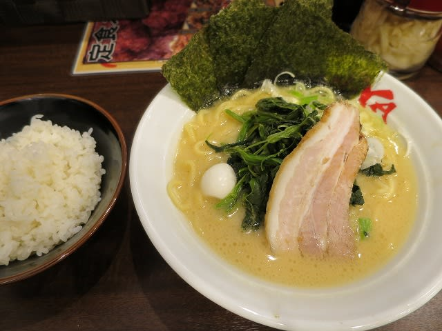 ラーメン(醤油)+ほうれん草