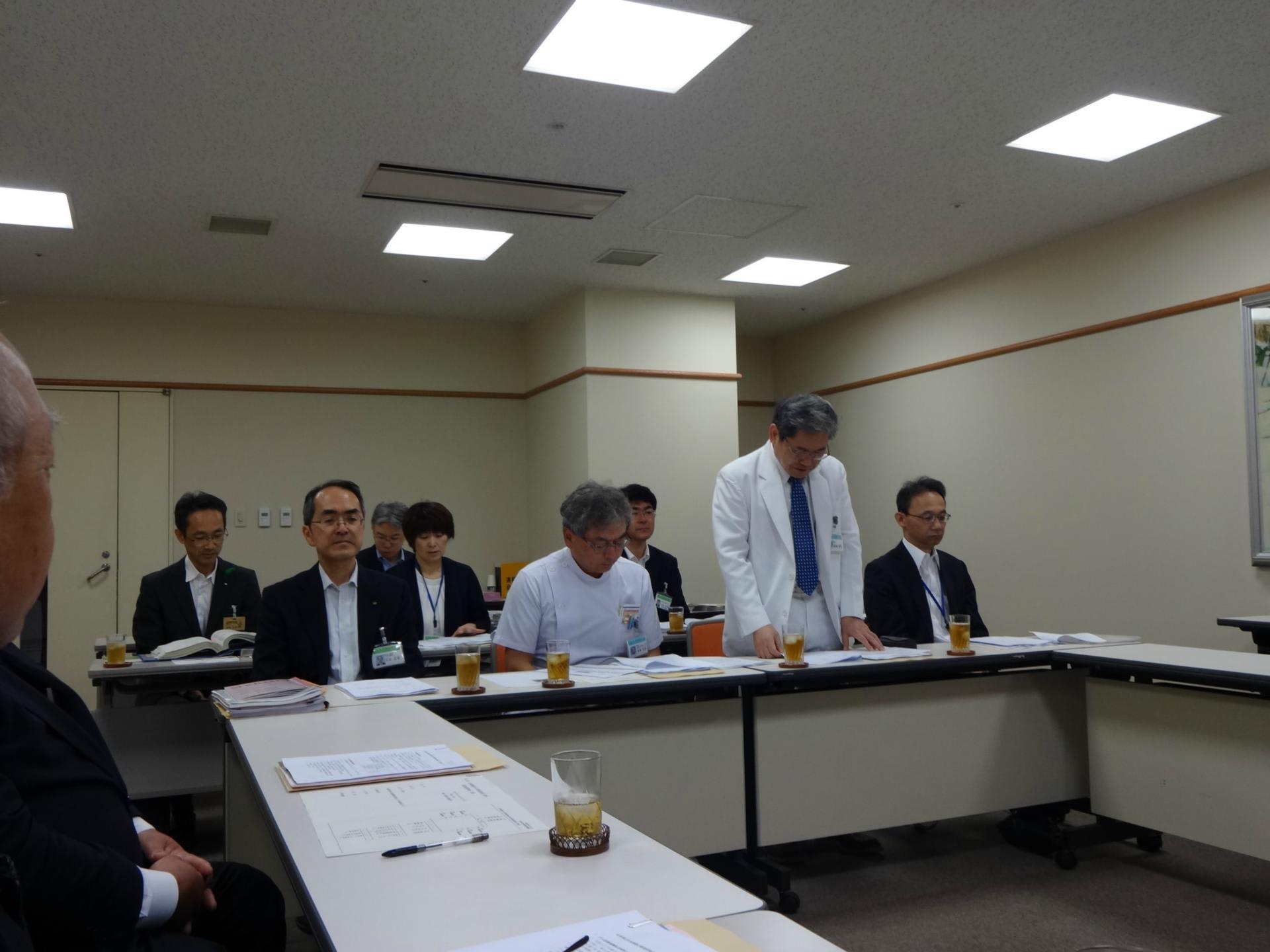 がん対策推進検討委員会が県立中央病院で開催