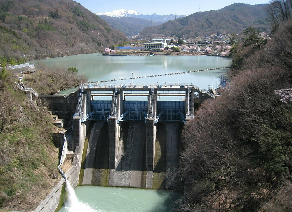 さすが、写真を撮り慣れていらっしゃる方。 ダムを撮るのははじめてといい... 【長野県】高遠ダム